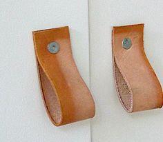 #DIY : leather door handles
