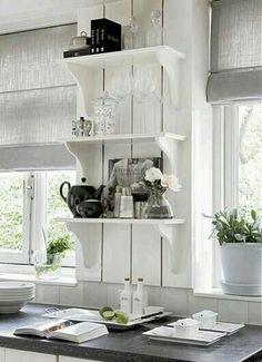 Leuke idee voor de koffiehoek, met deze mooie plankjes