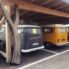 - garagelife in the wintertime, waiting for the next Adventure going south! Volkswagen, Vw T1, Carport Garage, Vw Vans, Camper Van, Montage, Van Life, Cars And Motorcycles, Winter