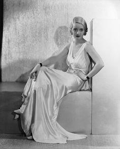 Dreamy 1930s Dress & Hair
