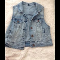 No sleeve jean jacket This cute jean jacket is in great condition, (only worn a few times). Selling because I rarely wear it. The jacket having no sleeves makes it great for many outfits. American Eagle Outfitters Jackets & Coats Jean Jackets