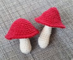 PennyMo: Hæklede svampe - DIY Crochet Christmas Ornaments, Christmas Diy, Crochet Mushroom, Play Food, Diy Crochet, Hygge, Stuffed Mushrooms, Crochet Patterns, Diy Projects