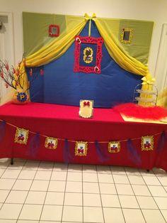 Snow White party backdrop