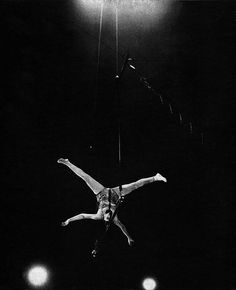 Pinito del Oro at Cirque Medrano in Paris (1958)