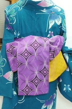 品の良い藤紫色に端正な円が形づくる七宝文様が浮かび上がる半幅帯です。 #kimono