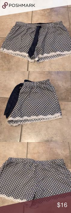 Victoria Secret Shorts Victoria Secret pajama shorts great condition Sz S Victoria's Secret Intimates & Sleepwear Pajamas