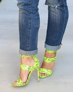 Steve Madden's Mysterii + Jeans - <3 <3 <3 <3 <3 Mimi G Style <3 <3 <3 <3 Shoe is available here: http://www.needcuteshoes.com/products/steve-madden-mysterii-sandal-green-multi/