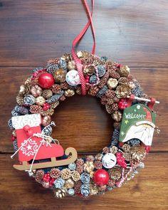 Christmas Christmas Wreaths, Christmas Decorations, Holiday Decor, Home Decor, Decoration Home, Room Decor, Home Interior Design, Christmas Decor, Christmas Tables