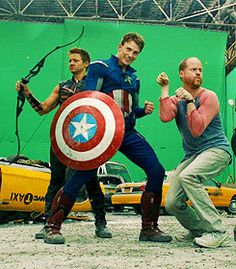"""(gif) """"Hawkeye"""", """"Captain America"""", and Joss Whedon---This is SO much better in gif form!"""
