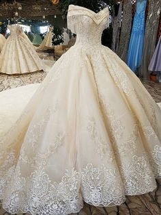 Bridesmaid Gowns off shoulder wedding - Off The Shoulder Ball Gown Hand Made Gorgeous Wedding Dress.Wholesale to all customers even you buy only one dress you will get wholesale price. The more you buy the better price you will get. Wedding Dresses 2018, Princess Wedding Dresses, Quinceanera Dresses, Bridal Dresses, Wedding Gown Lace, Wedding Ceremony, Antique Wedding Dresses, Wedding Venues, Ball Gown Wedding Dresses