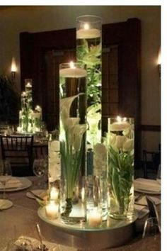 Mooi voor op tafel met kerst ....versieren met kerstballen en lichtjes of kaarsjes