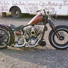 What size pipes are those?? (IG: endoautoservice) #chopperlife #shovelhead #harleydavidson Old Honda Motorcycles, Old School Motorcycles, Bobber Bikes, Rat Bikes, Cool Bikes, Custom Choppers, Custom Bikes, Rat Rod Motorcycle, Biking With Dog