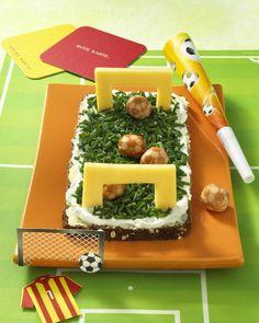Unser beliebtes Rezept für Fußballtor und mehr als 55.000 weitere kostenlose Rezepte auf LECKER.de.