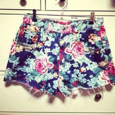 floral fashion of the Grunge Style, Soft Grunge, Teen Style, My Style, Tokyo Street Fashion, Teen Fashion, Love Fashion, Fashion Beauty, Style Fashion