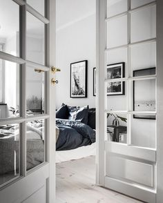 'Minimal Interior Design Inspiration' is a biweekly showcase of some of the most perfectly minimal interior design examples that we've found around the web - Dream Bedroom, Home Bedroom, Diy Bedroom Decor, Home Decor, Bedrooms, Bedroom Ideas, Master Bedroom, Airy Bedroom, Scandinavian Interior Design