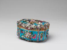 Jewelled Snuffbox  ca. 1765  German, Berlin - Glass, gold, silver, diamonds and rubies Dimensions: H. 6 cm, L. 10 cm, D. 8.8 cm Robert Lehman Collection, 1975