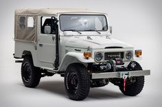 Commissioned by FJ Company president Juan Diego Calle, the 1982 Toyota FJ43 Aspen Edition was designed to be family-friendly yet still capable of tackling the roads in its namesake city. The frame-off restoration included an upgrade to the engine, replacing...