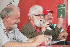 """Marco Weissheimer """"Essa atividade é um símbolo da resistência do povo brasileiro. Vocês que vêm se dedicando, nestes 15 anos, a produzir arroz orgânico são motivo de orgulho do nosso movimento e re…"""
