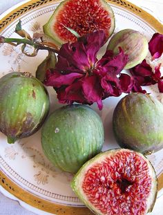 We picked fresh figs from a tree growing alongside the road, I loved them! I never had fresh figs before that. Fresh Figs, Fresh Fruit, Fruit And Veg, Fruits And Veggies, Fig Fruit, Citrus Fruits, Fig Tree, Elegant Homes, Bon Appetit