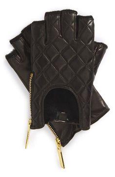 Michael Kors fingerless quilted driving gloves http://rstyle.me/n/q6kk5nyg6