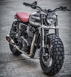 Triumph 110 by Down and Out Cafe Racers Triumph Cafe Racer, Cafe Racer Bikes, Triumph Motorcycles, Triumph Scrambler, Triumph Bonneville, Moto Street Tracker, Tracker Motorcycle, Moto Bike, Cafe Racer Motorcycle