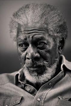Morgan Freeman / Actor / Black & White Photography by Annie Leibovitz Fotografia Pb, Foto Face, Annie Leibovitz Photography, Annie Leibovitz Photos, Foto Portrait, Morgan Freeman, Celebrity Portraits, Famous Portraits, Black And White Portraits
