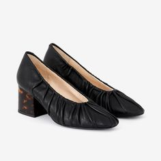 Leather Design, Leather Heels, Black Heels, Flats, How To Wear, Shoes, Fashion, Loafers & Slip Ons, Moda