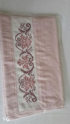 Towel with Violets Cross Stitch Bookmarks, Just Cross Stitch, Cross Stitch Needles, Cross Stitch Borders, Cross Stitch Flowers, Cross Stitch Designs, Cross Stitching, Cross Stitch Patterns, Embroidery Patterns Free