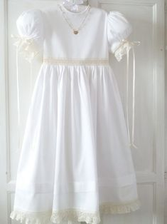 Special Dresses, Nice Dresses, Flower Girl Dresses, Girls Dresses, Holy Communion Dresses, Christening Gowns, Heirloom Sewing, Little Girl Outfits, Dress Picture
