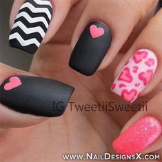 8 Heart Nail Designs for Valentines Day - Nails Fancy Nails, Love Nails, Pretty Nails, My Nails, Pink Nails, Black Nails, Chevron Nails, Red Nail, Nails 2017