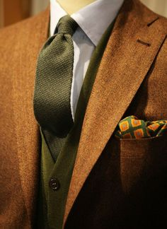 Well matched fashion...oh, this would look so good on my ginger hubs. Mmmmm....I'ma hafta invest.
