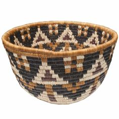 Zulu bowl basket made from Ilalla palms.  A fair trade beauty from South Africa.  $49.99