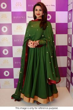 Parineeti Chopra Dark Green Anarkali Dress On Georgette Silk Anarkali Suits, Indian Anarkali, Indian Gowns, Anarkali Dress, Indian Outfits, Chanderi Suits, Sharara Suit, Silk Dupatta, Indian Clothes