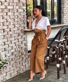 Sweet tooth: Zendaya Coleman donned a leggy look to visit Jessica Biel's organic family restaurant Au Fudge in West Hollywood on Wednesday Fashion Killa, Look Fashion, Fashion Outfits, Womens Fashion, Fashion Trends, Fashion Hats, Fashion Accessories, Classy Outfits, Casual Outfits