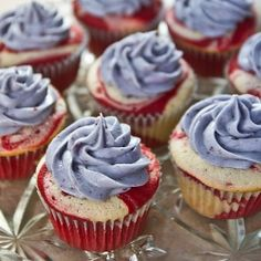 red velvet mint marble cupcakes with blueberry cream cheese frosting -- perfect for the 4th!