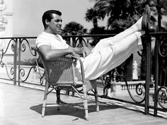 Relaxicatin' with Cary Grant!