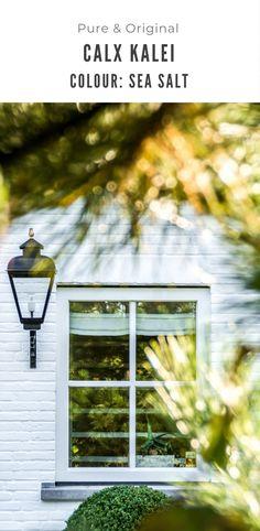 Een nieuwe woning door de gevel een andere kleur te geven. Verhoog de waarde van de huis eenvoudig. Calx kalei, ademend, kleurvast, niet vergelend, parel effect, groendwerend, etc. Kijk en lees gewoon verder om de site. Facade, Windows, Pure Products, The Originals, Painting, Color, Painting Art, Colour, Facades