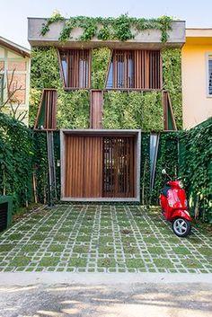 casa goia, em são paulo | projeto: renata pati | muito verde na fachada behouses.blogspot.ca/