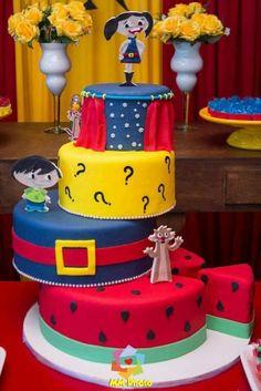 Show da Luna Bolo Fack, Birthday Cake, Birthday Parties, 5th Birthday, Fake Cake, Pastel, Childrens Party, Mini Cakes, Themed Cakes