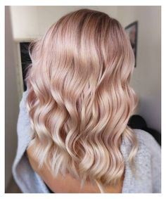 Pink Ash Hair, Pink Blonde Hair, Light Pink Hair, Blonde With Pink, Hair Color Pink, Platinum Blonde Hair, Light Blonde, Dark Blonde, Blonde Pink Balayage