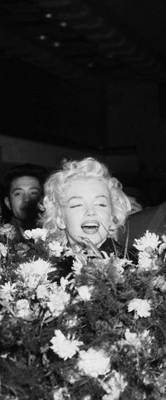 Marilyn in Japan, 1954.