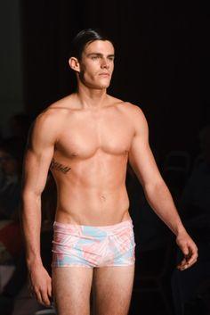 Presentación colección #MOLTOÈMOLTO PV17, desfile Molto Giusti en MoWeek, pasarela Dinapyme #FashionShow #FashionWeek #MalesFashion #Swimwear #Montevideo #Uruguay