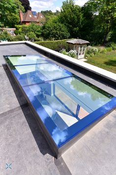 Choose from single pane, modular, silicone join, glass lintel or aluminium lintel to create your contemporary glass flat roof light Glass Roof Extension, House Extension Design, Flat Roof Design, Kitchen Island Ideas With Columns, Flat Roof Skylights, Beautiful House Plans, Roof Lantern, Roof Installation, Roof Architecture