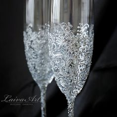 silver Wedding Champagne Flutes Wedding Champagne Glasses Wedding Toasting Flutes Grey Silver Wedding Gatsby Wedding These are hand painted set of 2 white wine glasses painted by me. They are hand painted with non toxic acrylic paint for glass. These would make a wonderful gift for your