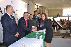 UTCV: Contribuyendo con el desarrollo de Veracruz.  Egresan 350 jóvenes de ingeniería y licenciatura. #SomosUTCV
