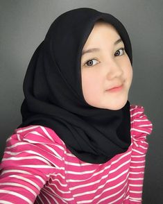 Beautiful Hijab, Beautiful Asian Girls, Muslim Beauty, Girl Online, Hijab Fashion, Evening Dresses, Model, Instagram, Album