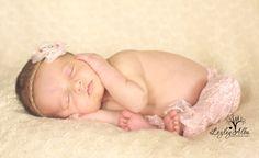 newborn pose, newborn photography, newborn photography ideas las cruces newborn photographer  www.lezleyalbaphotography.com Newborn Poses, Newborn Photographer, Photography Ideas, Face, The Face, Faces, Newborn Pictures, Facial