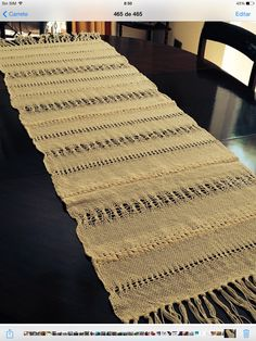 Weaving Projects, Weaving Art, Weaving Patterns, Tapestry Weaving, Loom Weaving, Hand Weaving, Silk Ribbon Embroidery, Hand Embroidery, Hessian Crafts