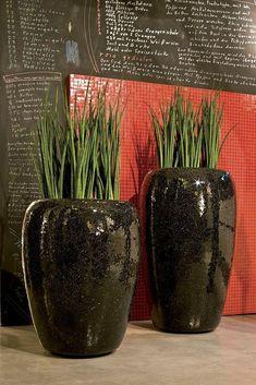 One Vase Black Medium Round Tall Polystone Planter D23 H30 cm