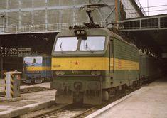 Plzeňští strojvůdci : popisy, rady, návody, pomůcky, zajímavosti Locomotive, Vintage, Europe, Trains, Metal, Locs, Primitive